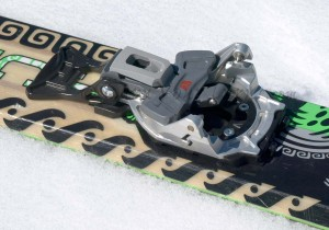 Beta version of the Beast 16 toe unit. Production version adds ledges for easier entry, and a way for snow to escape the cavity between the arms.