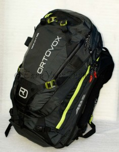 Orotovx Tour30+7. Lots of room, pockets, straps, and ABS.
